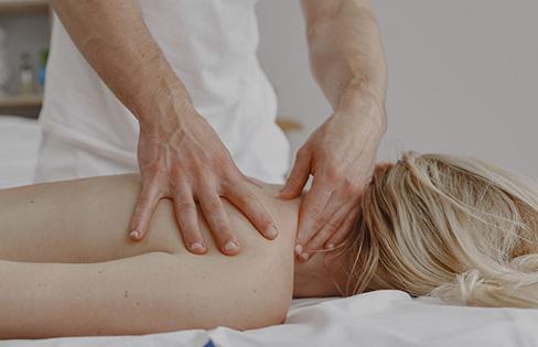 Balance by hands sportmassage